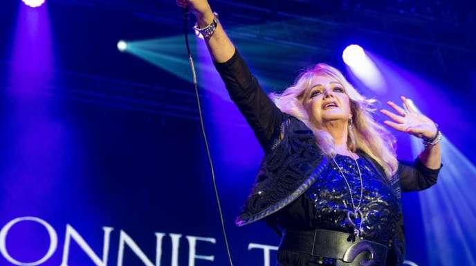 Bonnie Tyler steht immer noch gerne auf der Bühne.