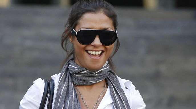 Imane Fadil verlässt im Oktober 2011 nach einer Aussage als Zeugin das Gericht in Mailand.