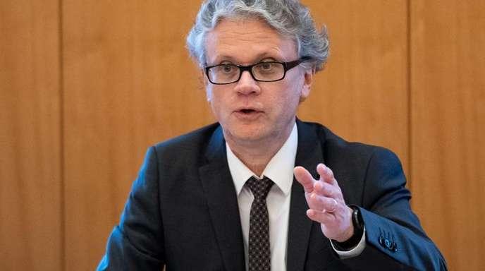 Caspar begrüßte, dass EU-Justizkommissarin Vera Jourova mit einem Aufruf zum Verlassen von Facebook eine deutliche Position bezogen habe.
