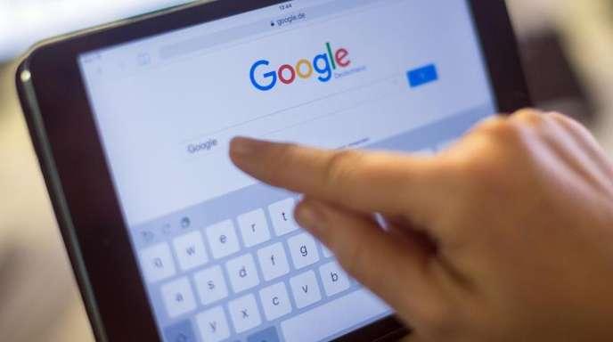 Plattformen wie Google News sollen für das Anzeigen von Artikel-Ausschnitten in ihren Suchergebnissen künftig Geld an die Verlage zahlen.