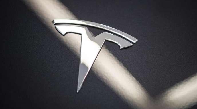 Tesla hatte ursprünglich das Model 3 als Elektroauto zum Preis ab 35.000 Dollar angekündigt.