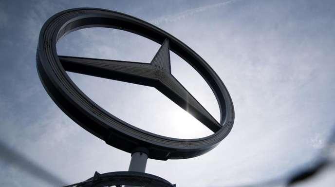 Nach einem Medienbericht hat das Kraftfahrtbundesamt ein formelles Anhörungsverfahren gegen Daimler wegen Verdachts auf eine weitere «unzulässige Abschaltvorrichtung» eingeleitet.