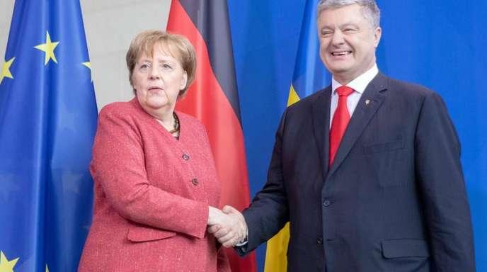 Bundeskanzlerin Angela Merkel mit dem ukrainischen Präsidenten Petro Poroschenko im Kanzleramt.
