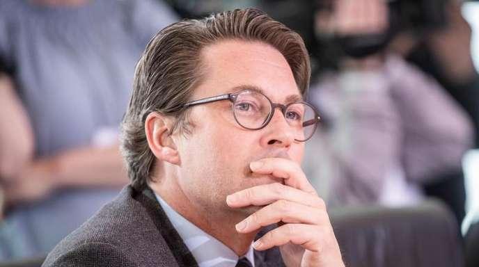 BMW und die Deutsche Telekom haben in einem gemeinsamen Brief Bundesverkehrsminister Andreas Scheuer aufgerufen, ein Veto gegen den Rechtsakt der Kommission einzulegen.