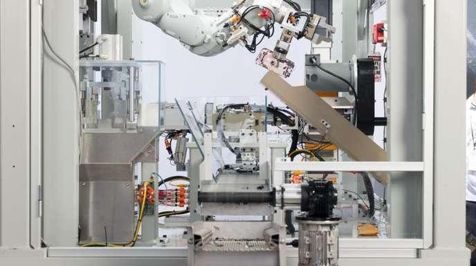 Apple hat inzwischen zwei Roboter-Linien zum iPhone-Recycling im Einsatz, die bis zu 2,4 Millionen Geräte pro Jahr zerlegen können.