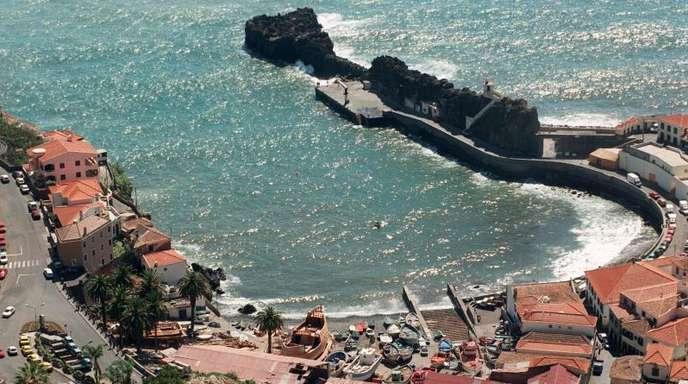 Bucht im Fischerort Camara de Lobos: Die Atlantikinsel Madeira zieht jedes Jahr etwa 1,3 Millionen Urlauber an.