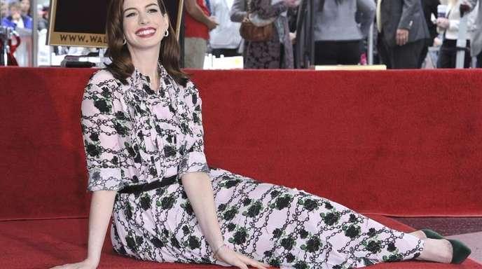 Anne Hathaway hat ihren Stern auf dem Hollywood Walk of Fame.
