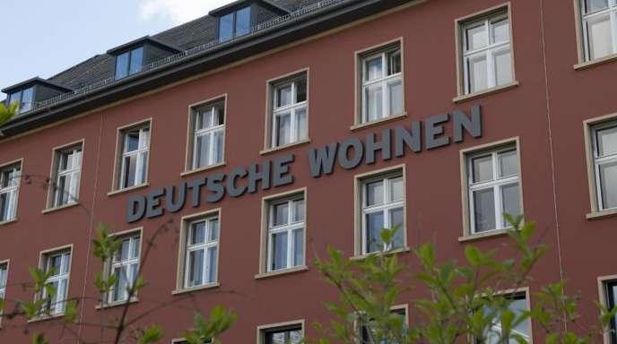 Im Kampf gegen steigende Mieten und Wohnungsnot waren zuletzt vor allem im Großstädten Forderungen nach einer Enteignung von Immobilienkonzernen wie Deutsche Wohnen oder Vonovia laut geworden.