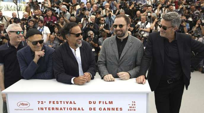 Die Jury-Mitglieder Robin Campillo (l-r), Enki Bilal, Alejandro González Iñárritu, Yorgos Lanthimos und Pawel Pawlikowski in Cannes.