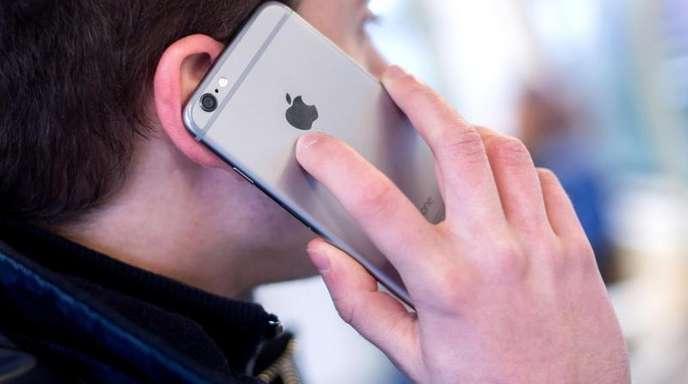 Mobilfunk hängt das Festnetz beimTelefonieren ab.