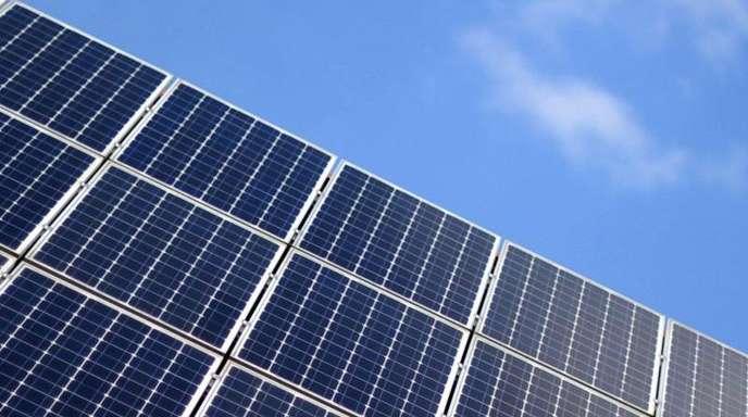 Die Solarbranche geht davon aus, dass die Bundesregierung das Ausbauziel für Sonnenenergie heraufsetzen wird, das derzeit bei 2,5 Gigawatt im Jahr liegt.