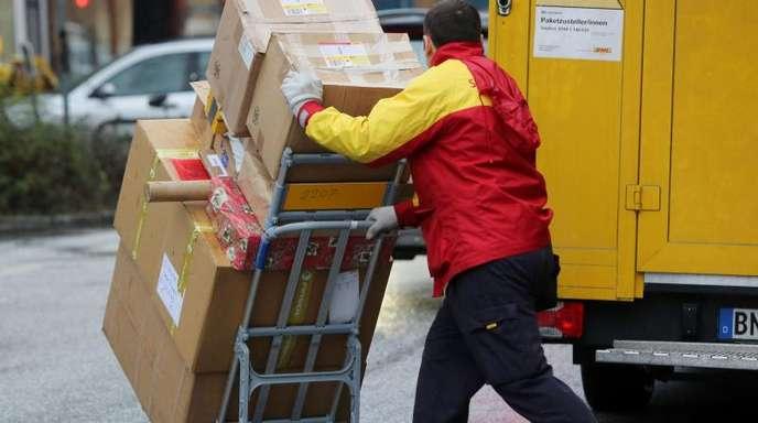 Die Spitzen von Union und SPD haben sich darauf geeinigt, Verbesserungen für Paketboten einzuführen.