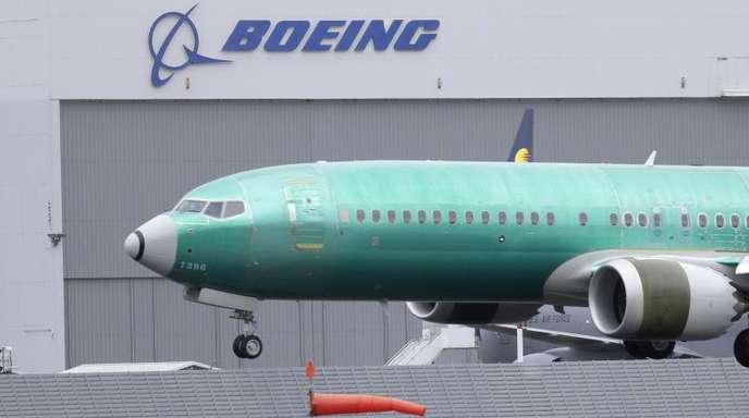 Die US-Flugaufsichtsbehörde FAA muss die Änderungen noch zertifizieren, bevor die Boeing 737 Max wieder fliegen darf.