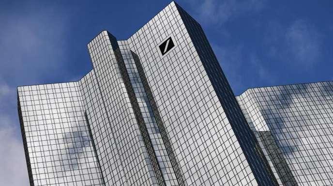 Von der einst stolzen Deutschen Bank ist wenig geblieben, der Aktienkurs kommt nicht aus dem Keller.