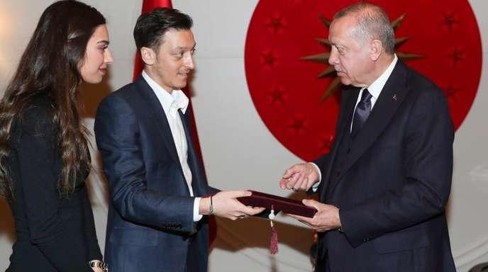 Kommt der türkische Präsident Erdogan zur Hochzeit von Mesut Özil und Amine Gülse?