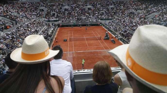 Ein Blick auf den Center Court, den Court Philippe Chatrier.