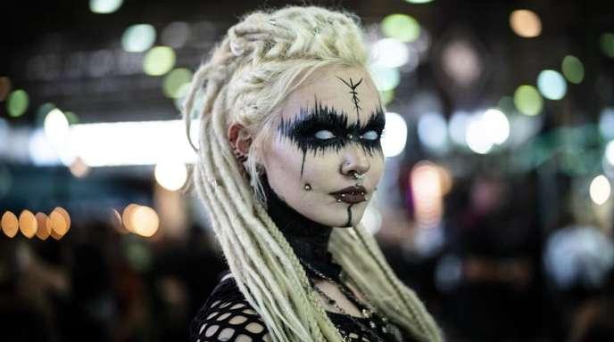 Alexia aus Caen (Frankreich) beim Wave-Gotik-Treffen.