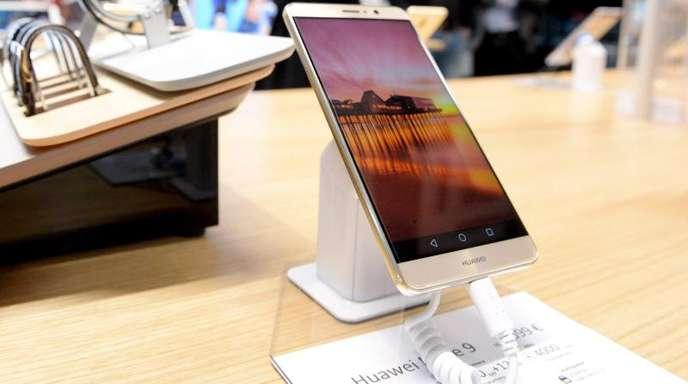 Huawei will spätestens im kommenden Frühjahr ein eigenes Betriebssystem zur Marktreife bringen.