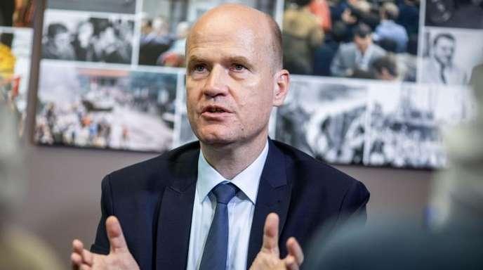 Beobachter rätseln, wieso sich Fraktionschef Ralph Brinkhaus so früh auf Annegret Kramp-Karrenbauer als nächste Unions-Kanzlerkandidatin festlegt.