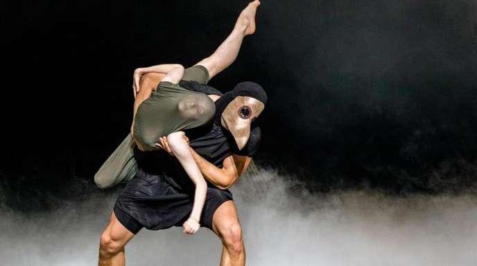 «Shakespeare-Sonette»: die Tänzer Olivia Betteridge und Florian Pohl auf der Bühne in Hamburg.