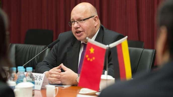 Bundeswirtschaftsminister Peter Altmaier im April bei einem Gipfel in Peking.