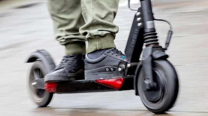 Die Bauform der elektrischen Tretroller, auch E-Scooter genannt, macht es den Herstellern schwer, zuverlässige Schlösser herzustellen.