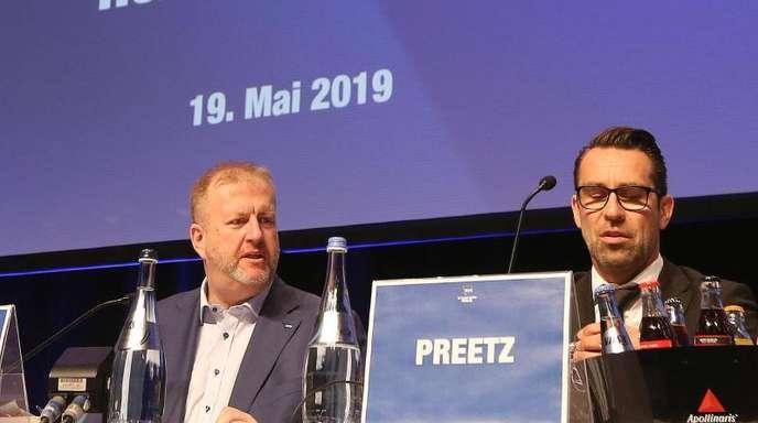 Finanzchef Ingo Schiller (l) und Sportchef Michael Preetz leiten die Geschicke von Hertha BSC.