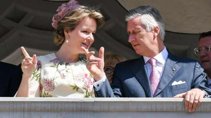 Das belgische Königspaar auf dem Balkon des Rathauses in Wittenberg.