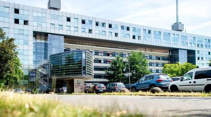 Das niedersächsische Landeskriminalamt in Hannover: Bei einem Einbruch in das Auto eines LKA-Beamten wurden Akten mit Daten von V-Leuten gestohlen.