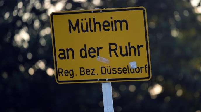 Das Ortsschild von Mülheim an der Ruhr.