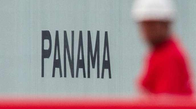 Der Schriftzug «Panama» an einem Containerschiff:Die klassischen Steueroasen haben an Attraktivität eingebüßt.