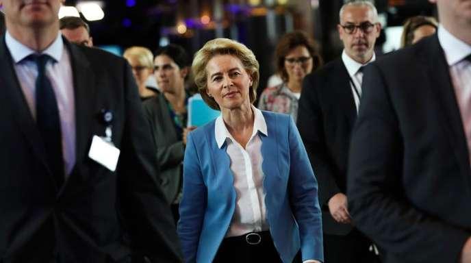 Ursula von der Leyen will mit konkreten Zielen weitere Stimmen für ihre Wahl gewinnen.
