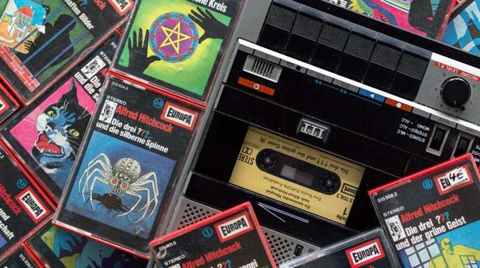 Die Fans der Hörspielserie «Die drei Fragezeichen» stehen noch auf Kassetten.