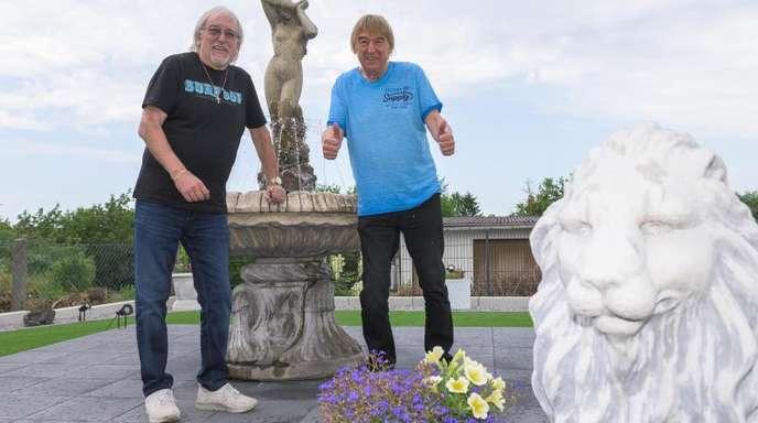 Karl-Heinz Ulrich (l) und sein Bruder Bernd denken daran, etwas kürzerzutreten. Aber noch nicht so bald.