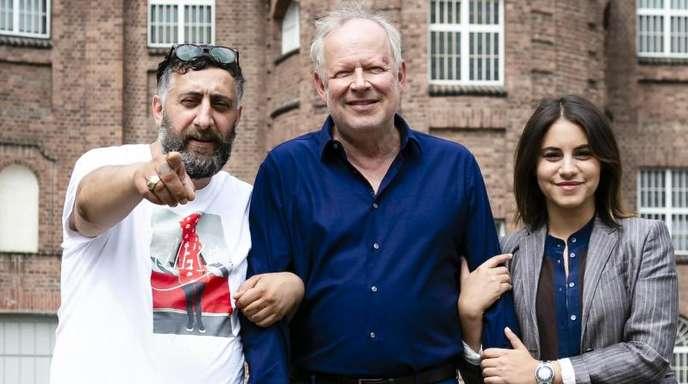 Kida Ramadan (l), Axel Milberg und Almila Bagriacik bei den Dreharbeiten zu «Tatort: Borowski und der Fluch der weißen Möwe».