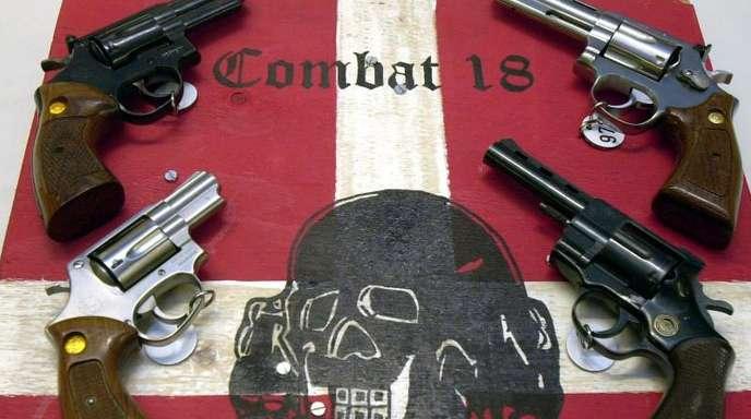 Sichergestellte Waffen des Neonazi-Netzwerks «Combat 18» in Kiel.