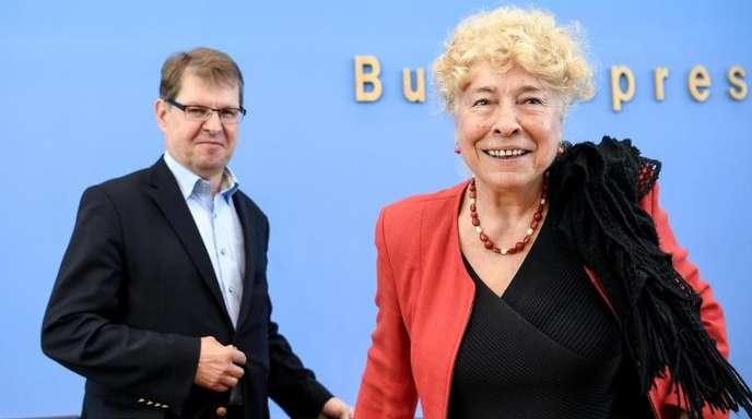 Die Politikwissenschaftlerin Gesine Schwan und Ralf Stegner, Vorsitzender der SPD-Fraktion in Schleswig-Holstein, kandidieren gemeinsam.