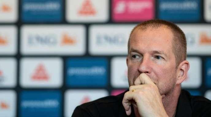 Basketball-Bundestrainer Henrik Rödl muss (noch) nicht um seinen Job bangen.