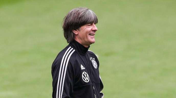 Gut gelaunt: Bundestrainer Joachim Löw.