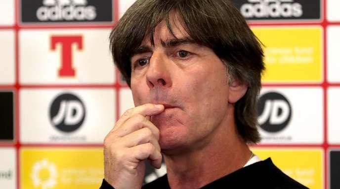 Joachim Löw stellte sich nach dem Spiel in Nordirland den Fragen.