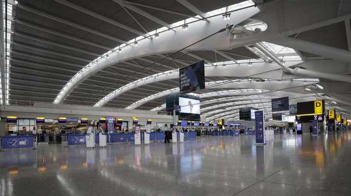 Der menschenleere Terminal 5 am Flughafen Heathrow. British Airways streicht wegen des 48 stündigen Streiks nahezu alle Flüge.