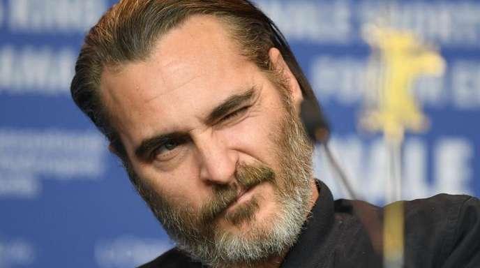 Joaquin Phoenix gutgelaunt auf der Berlinale.
