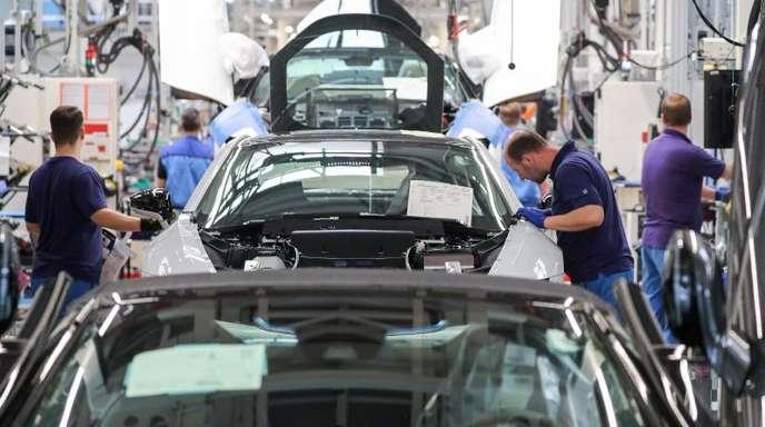 BMW-Werk Leipzig: Der Abwärtstrend im Autogeschäft hat tiefe Löcher in die Bilanzen vieler Hersteller gerissen.