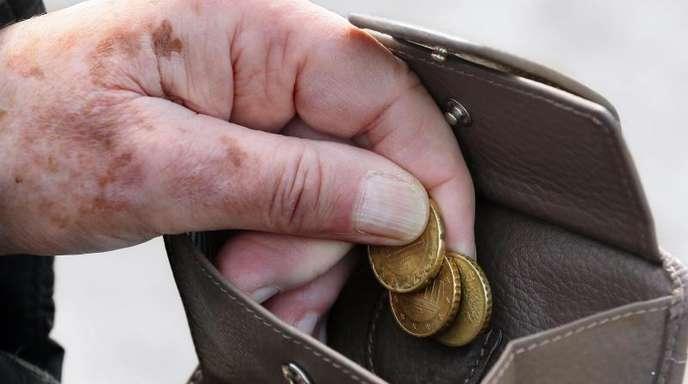 Laut einer Studie könnte der Anteil der von Armutbedrohten Rentner bis 2039 auf 21,6 Prozent wachsen.
