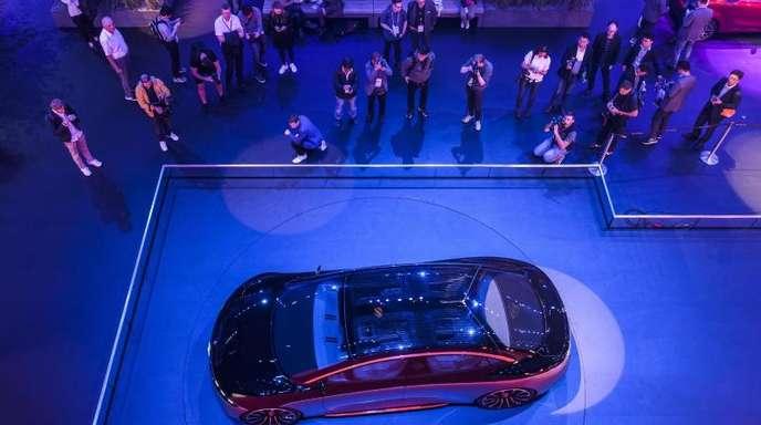 Ausstellung eines Mercedes-Benz Vision EQS auf der IAA in Frankfurt am Main.