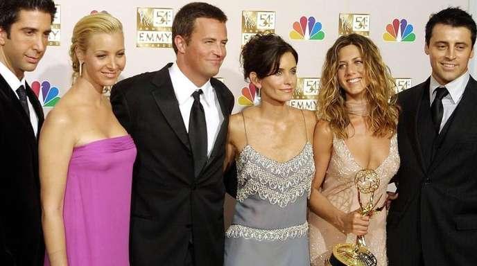 David Schwimmer (l-r), Lisa Kudrow, Mathew Perry, Courtney Cox Arquette, Jennifer Aniston und Matt LeBlanc bei der Emmys-Verleihung 2002.