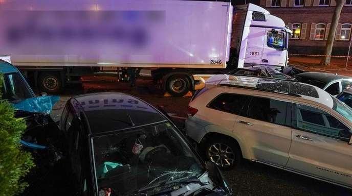 Der Fahrer des gestohlenen Lastwagens war bisher mit Drogendelikten und Gewaltkriminalität aufgefallen.