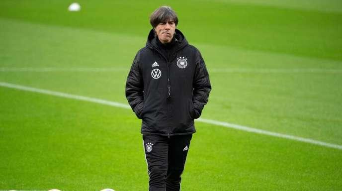 Muss auf einige Leistungsträger verzichten: Bundestrainer Joachim Löw.