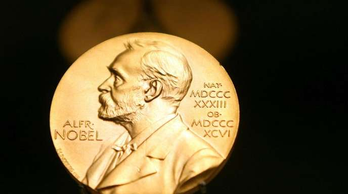 Eine Medaille mit dem Konterfei von Alfred Nobel im Stockholmer Nobel Museum.
