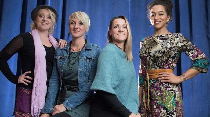 Nadja Benaissa (r) mit den medlz Sabine Kaufmann (l-r), Nelly Palmowske und Silvana Mehnert.